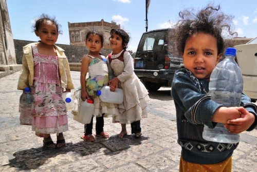 Yemen So Critically Short Of Water In War That Children Are Dying Fetching It
