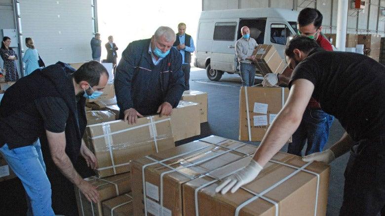 Des kits de test COVID-19 arrivent en Géorgie dans le cadre de l'aide de la Banque mondiale. Photo : © Banque mondiale