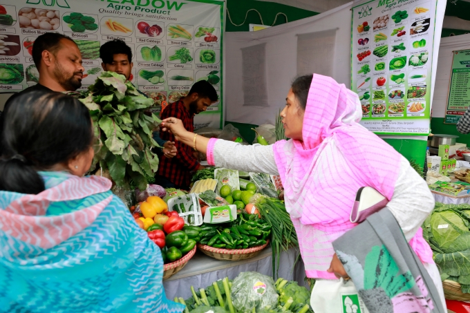 A vegetables fair at Khamarbari in Dhaka, Bangladesh