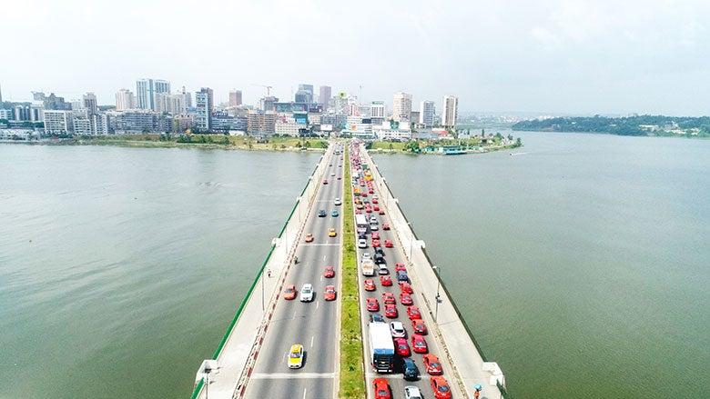 Le Defi De La Mobilite Urbaine A Abidjan