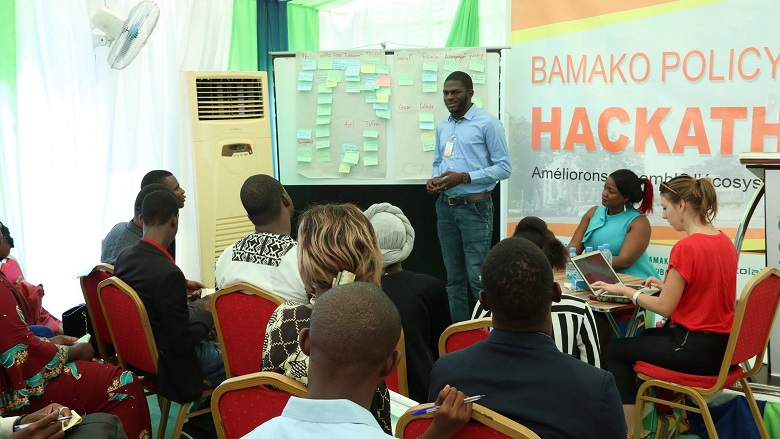 Brainstorming session at the Bamako Policy Hackathon