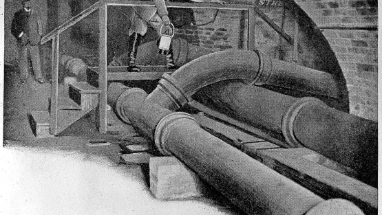 Sewage pipes under London in the 19th century