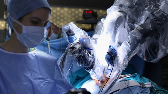 A robot for minimally invasive operations controlled by the surgeon. Photo: © Master Video/Shutterstock