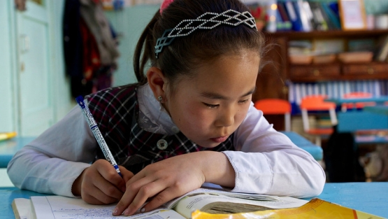 With rapid growth, the Government of Mongolia introduced a number of programs to improve the country's education system, especially rural primary education. © Khasar Sandag/World Bank