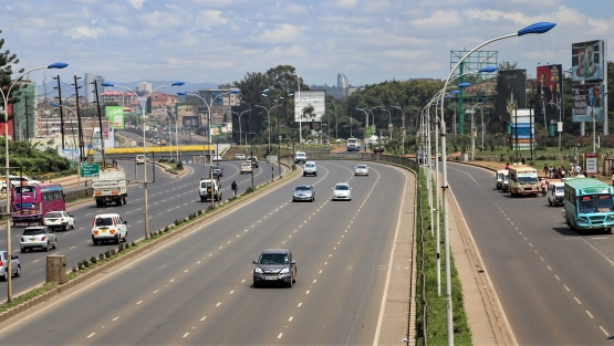 Highway in Kenya. Photo: © Sarah Farhat/World Bank