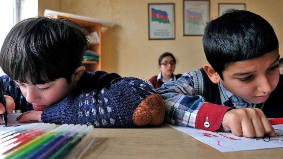 Baku/Azerbaijan: art classes at school