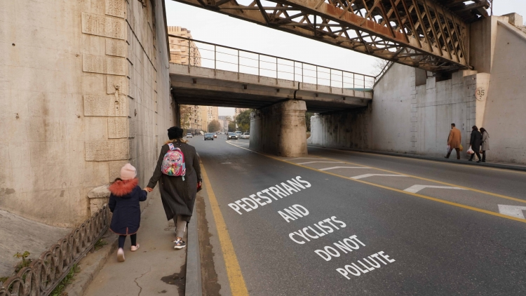 Pedestrians and cyclists do not pollute
