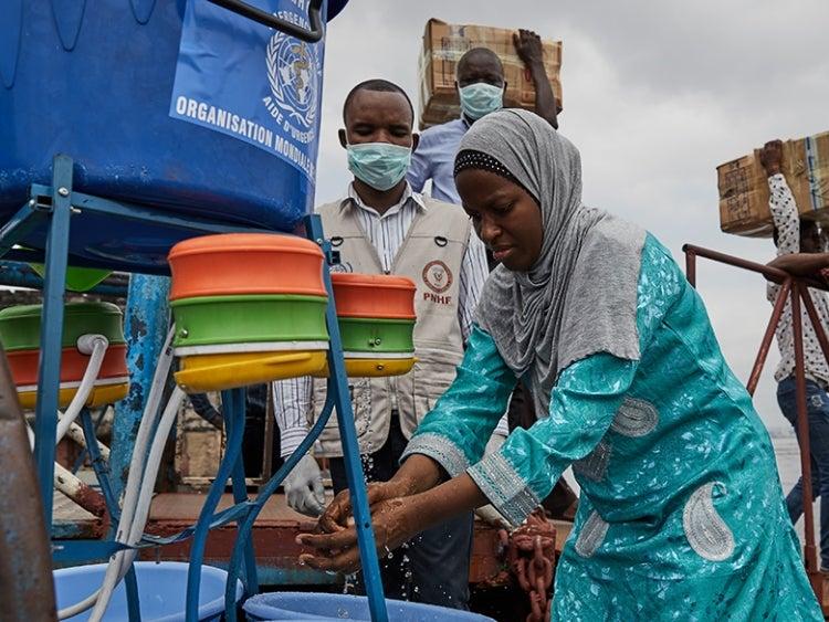 Preparations for screening and preventing potential coronavirus (COVID-19) arriving in the Democratic Republic of Congo from Brazzaville, Republic of Congo. Photo: © Hugh Kinsella Cunningham/World Health Organization