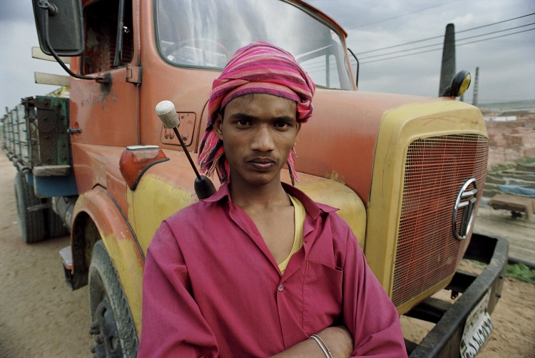 Portrait of a young truck driver in Bangladesh. Photo: Scott Wallace / World Bank