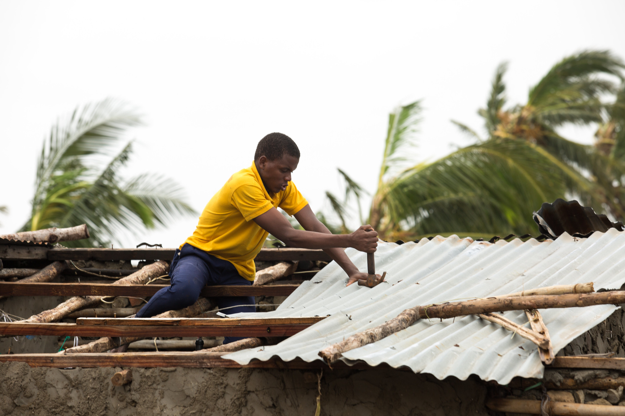 Rebuilding after Cyclone Idai. (Photo: Denis Onyodi / IFRC/DRK/Climate Centre via Flickr CC)