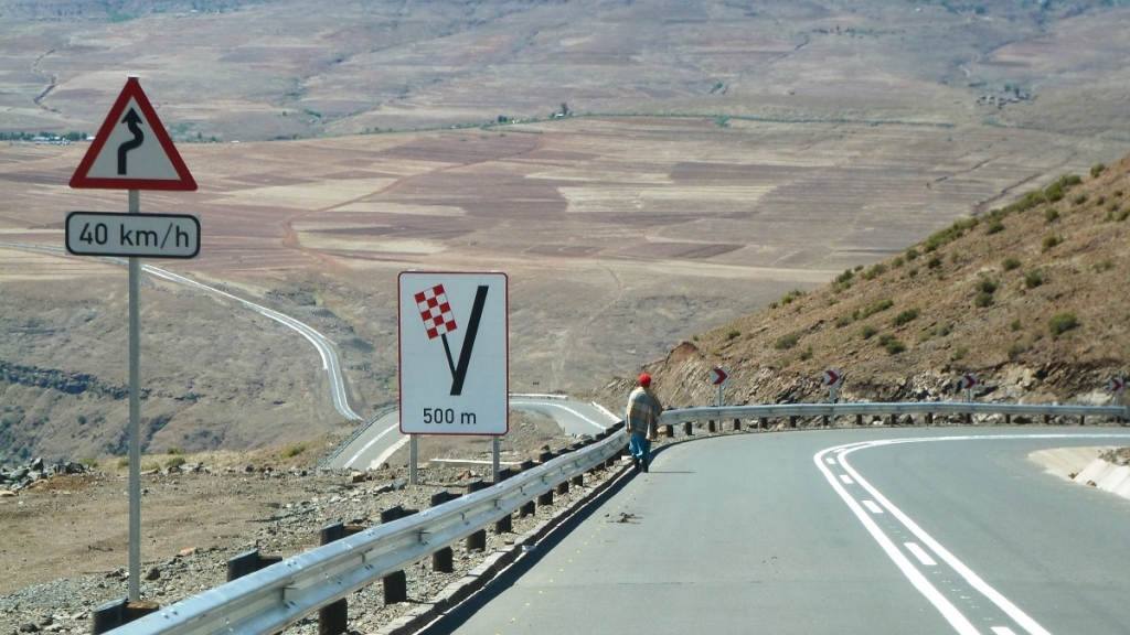 A mountain road in Lesotho. Photo: World Bank