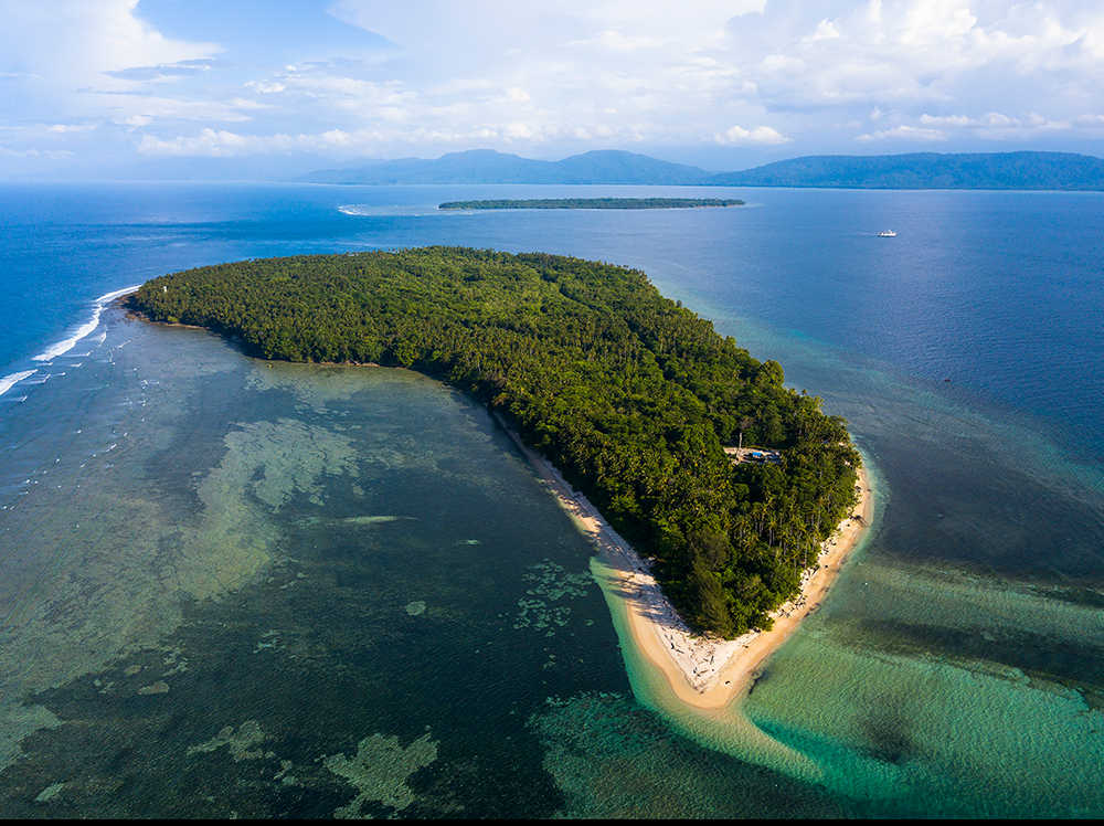 As the world's largest archipelagic nation, Indonesia consists of strings of forested islands of varying sizes, many surrounded by sandy beaches and coral reefs. Photo: LIPI