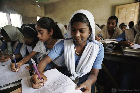 High school girls taking notes in Suapur, Bangladesh. Photo © Scott Wallace/ World Bank