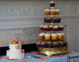 The cupcake tier wedding trend.
