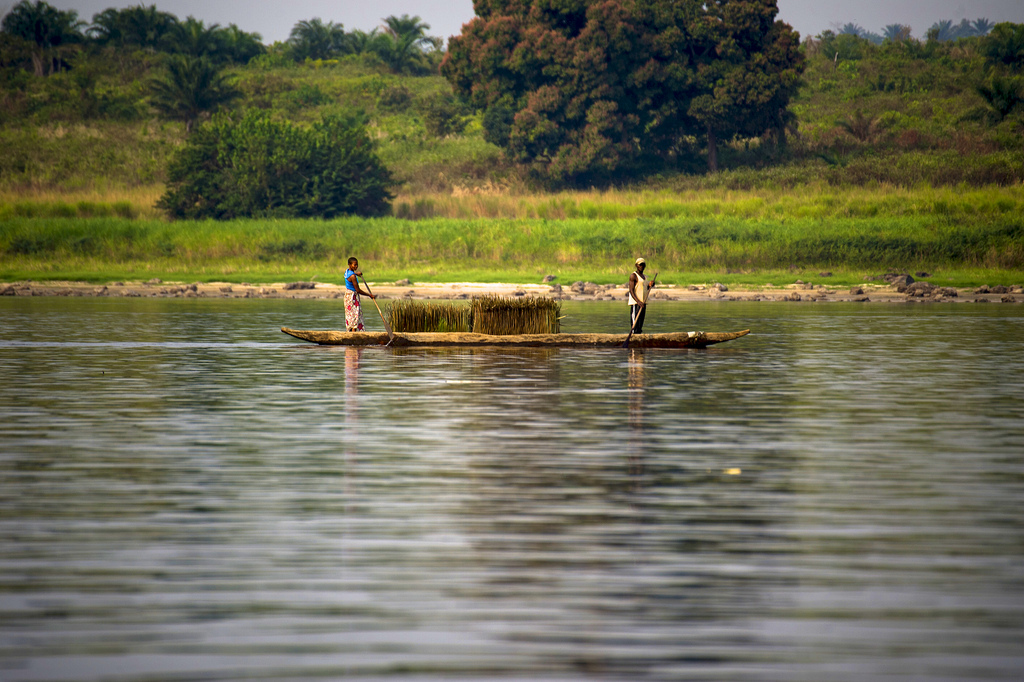 View from the River Congo between Kinshasa and Lukolela, DR Congo. Photo by Ollivier Girard for CIFOR via Creative Commons