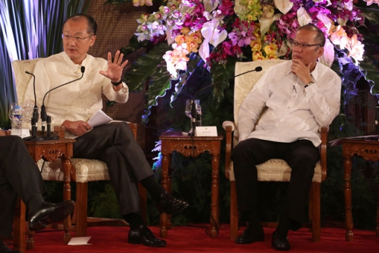 World Bank Group President Jim Yong Kim and Philippines President Benigno S. Aquino III on July 15, 2014. © Dominic Chavez/World Bank